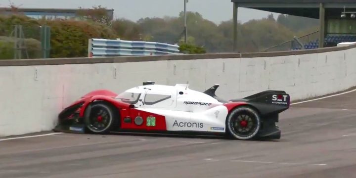 Watch This Self-driving Racing Car Slam Straight Into a Wall